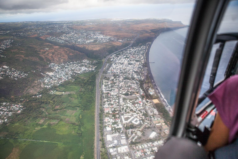 Parcourir le cirque de Mafate en alliant randonnée et survol en hélicoptère